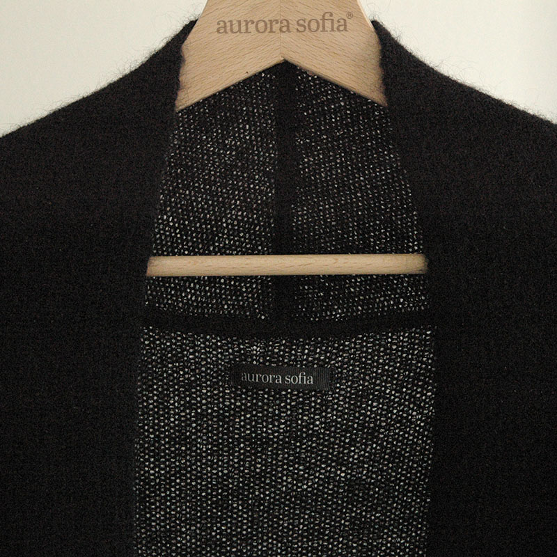 Shop luxuriously long Usva long cardigan black finnish fashion sustainable hygge luxurious wool made in Finland Aurora sofia Suomi100
