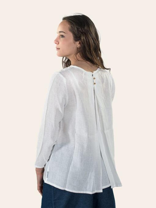 Linen shirt with pleats